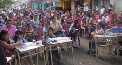 """Defensoría del Consumidor realiza primer festival """"niñez consumerista""""."""
