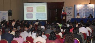 Defensoría del Consumidor presenta libro Institucionalidad y derecho de consumo en El Salvador