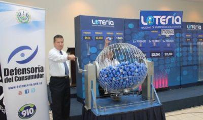 Lotería Nacional de Beneficencia dedica sorteo al décimo aniversario de la Defensoría del Consumidor