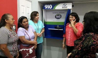 Defensoría del Consumidor inaugura línea directa de atención al consumidor 910