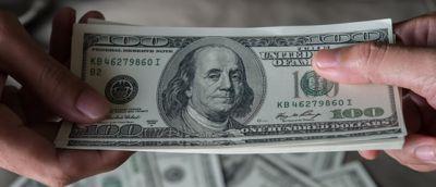 ¿Quién es quién en los costos de envío de remesas desde Estados Unidos a El Salvador?